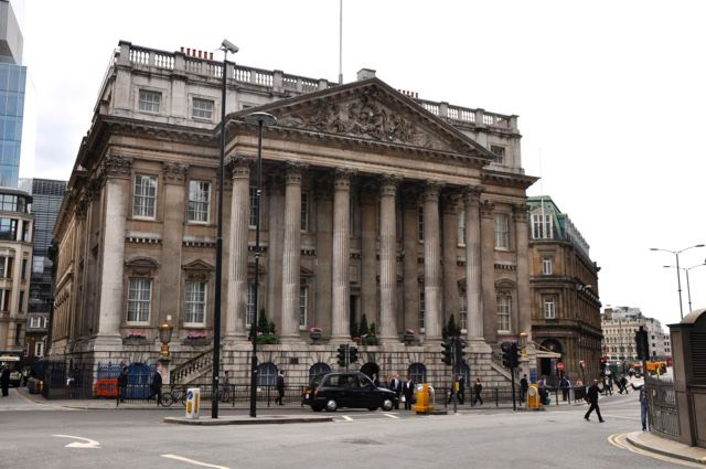 A frontal view of the Mansion House home to the Lord Mayor of London